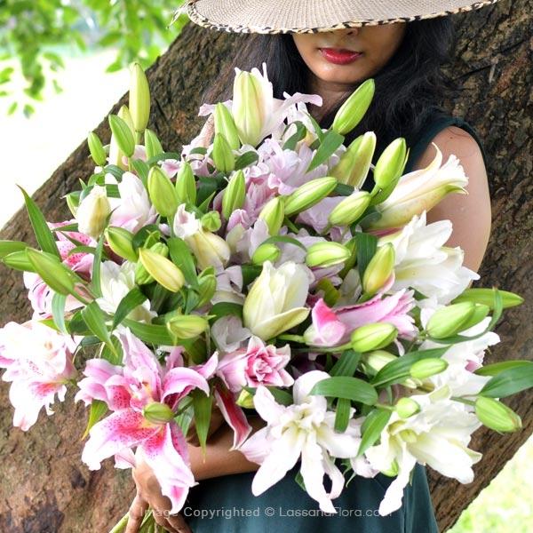 Premium Rose Lilies (Bouquet) - Love & Romance - in Sri Lanka