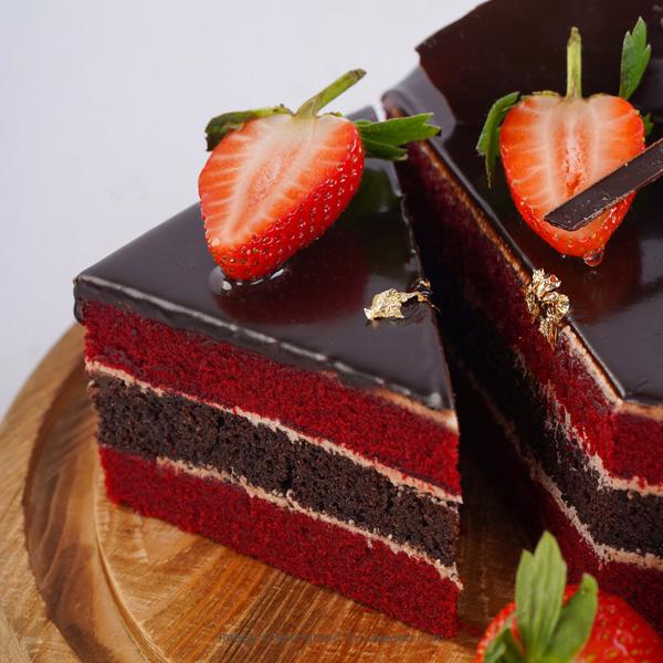 RED VELVET FUDGE SQUARE CAKE – 1kg (2.2 lbs) - Lassana Cakes - in Sri Lanka
