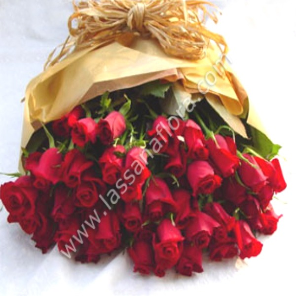 SHEAF OF 40 RED ROSES - Love & Romance - in Sri Lanka