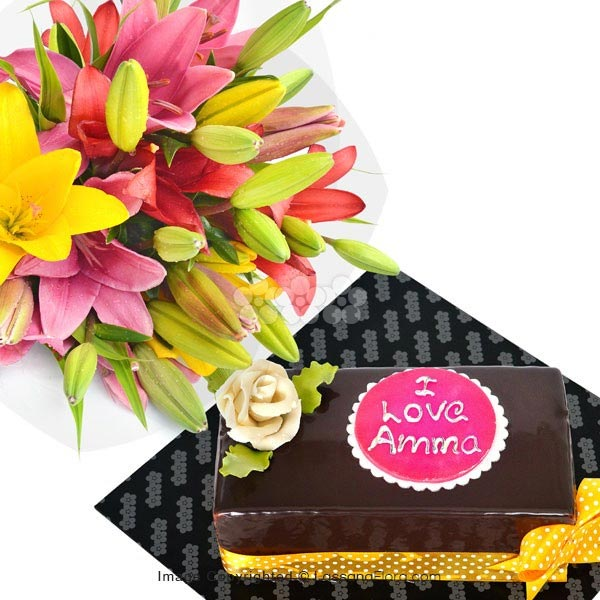 To My Lovely Mom (With Flower Bunch) - Lassana Cakes - in Sri Lanka